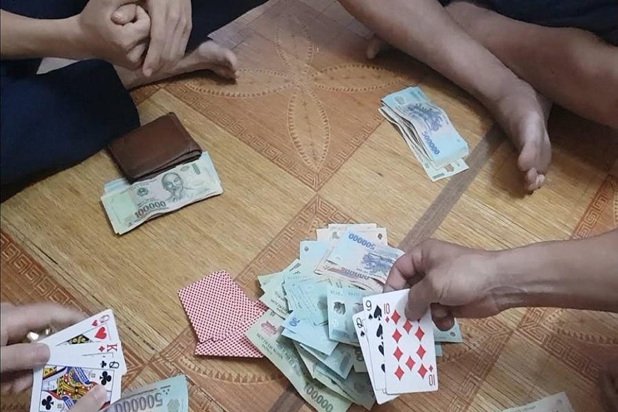 Mơ thấy bài bạc